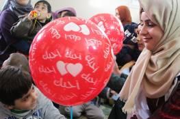 طالبات من الكلية الجامعية ينظمن يوماً ترفيهياً لأطفال سجى